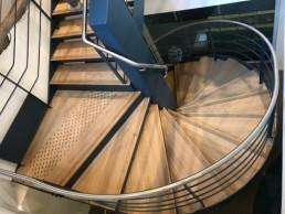 Escalier débillardé fabriqué par les Ets COUTURE